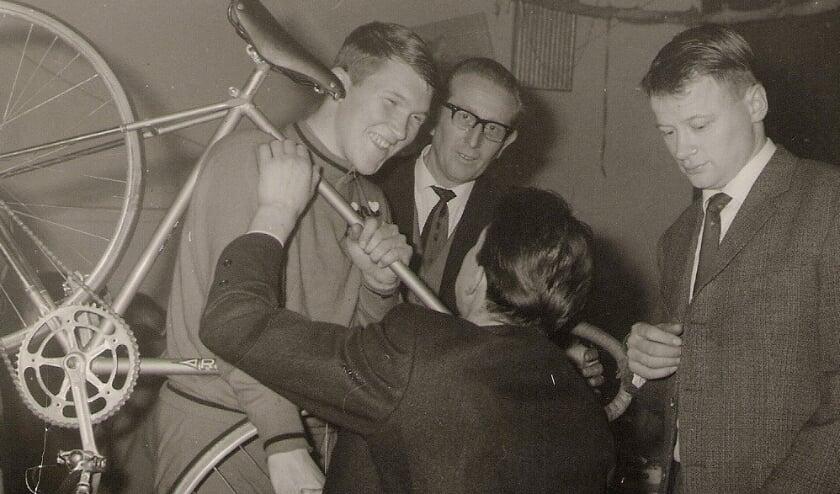 <p>Jos van der Vleuten was een populaire beroepsrenner die Helmond op de internationale wielerkaart heeft gezet.</p>