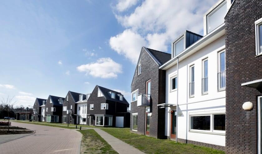 <p>De schoolwoningen aan de Breedvennen worden verkocht door de VOF Centrumplan Leende.</p>