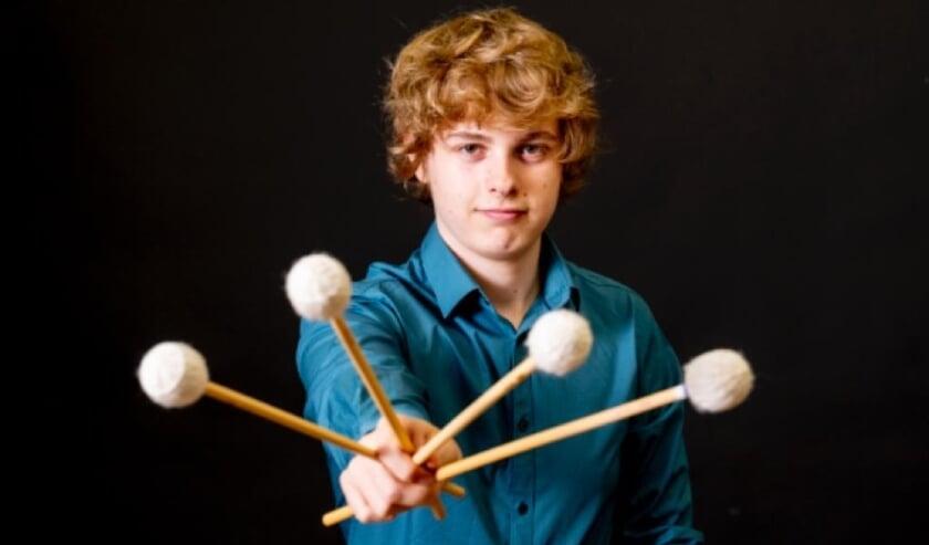 <p>Een van de deelnemers is de 16-jarige Stije Maurer uit Nieuwegein. Hij speelt marimba. Egen foto</p>