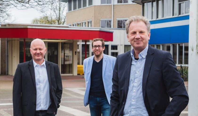 <p>Lijsttrekker Oene Doevendans (rechts) en zijn mede-kandidaat-raadsleden Ferdi de Jong (midden) en Frank van den Elsen willen het redelijke, rechtse geluid uitdragen dat nu in Ambacht amper wordt gehoord. (Foto: pr)</p>