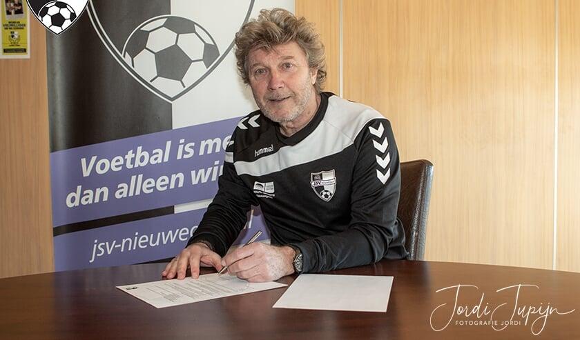 <p>Hans van Elden (foto) volgt de eind van dit seizoen vertrekkende Mark Kranendonk op. </p>