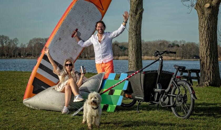 <p>Nog even en Thijs runt samen met Joyce (nog nog zijn vriendin, binnenkort zijn vrouw) de nieuwe Sunset Beachbar aan de Zegerplas. Foto: Peter Franken</p>