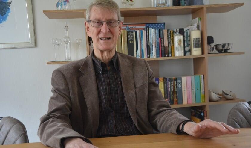 <p>Oud-burgemeester Dick van Hemmen van Nunspeet vervult zijn ambassadeursrol met verve en plezier.</p>