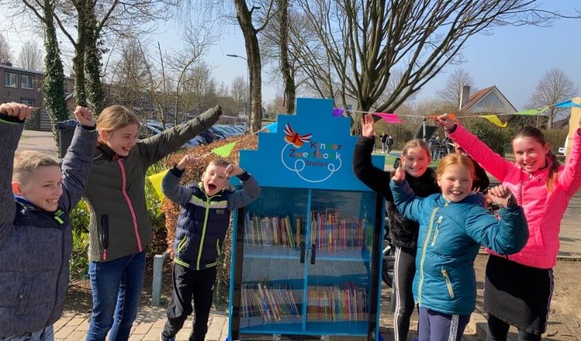 <p>Hoera, het kinderzwerfboekenstation is klaar!</p>