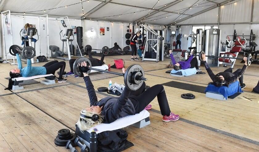 <p>&#39;Buiten&#39; sporten bij Ketelaar Sport in Ulft.</p>