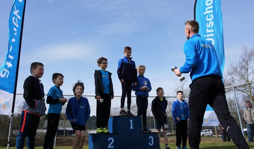 <p>Zondag 28 maart vonden de Clubkampioenschappen Cross van Atletiek Oirschot voor de jeugd plaats. Matthijs van den Heuvel pakte de eerste prijs.&nbsp;</p>