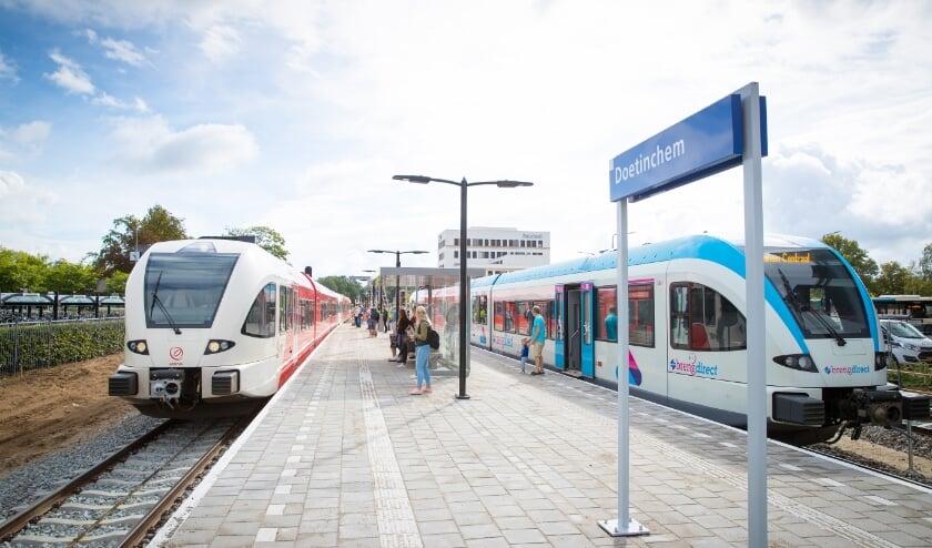 <p>Naast de Breng- en Arriva-treinen wordt ook onderzocht of het mogelijk is om de RegioExpress als sneltrein vanaf Doetinchem naar Arnhem te rijden.</p>