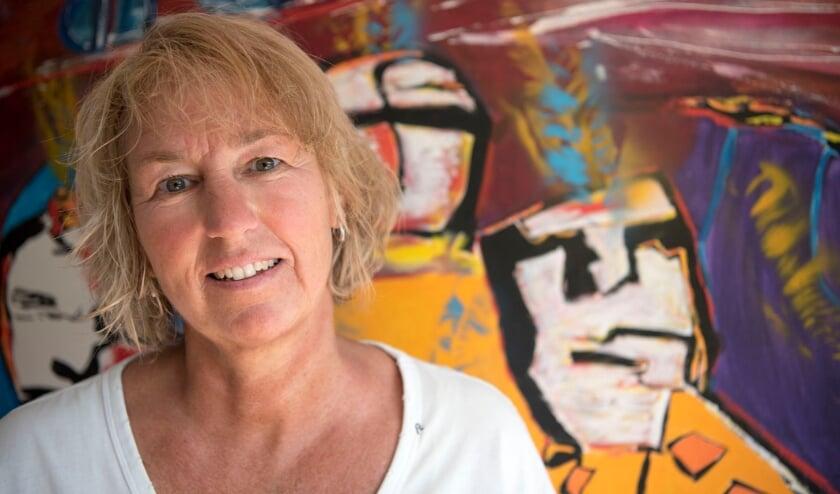 <p>Henriëtte Verhoeven is bij Jeugdland in haar element. Ze geniet als ze dankbare kinderen ziet. (foto: Ellen Koelewijn)</p>