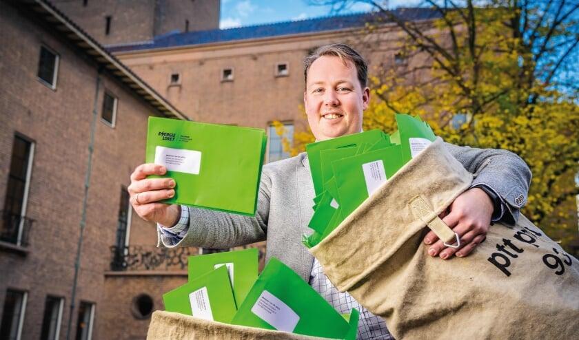 <p><br> Wethouder Jeroen Diepemaat vertelt trots in 1Twente Vandaag dat 1,8 miljoen euro beschikbaar komt voor huurders om gratis energiebesparende materialen aan te schaffen. </p>
