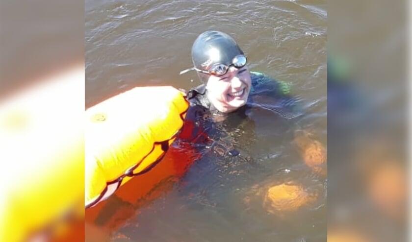 <p>Mar&egrave;l Olthof &nbsp;is een echte zwemster. Op 6 augustus steekt ze het IJsselmeer over.</p>
