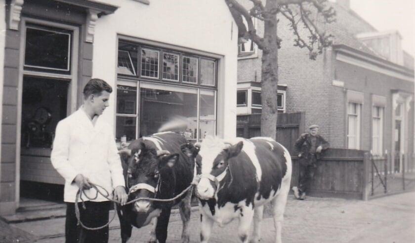 <p>Ook bijzondere oude foto&#39;s van de Linschotense dorpsslagerij van Verweij zijn in de historische YouTube-presentatie opgenomen.&nbsp;</p>