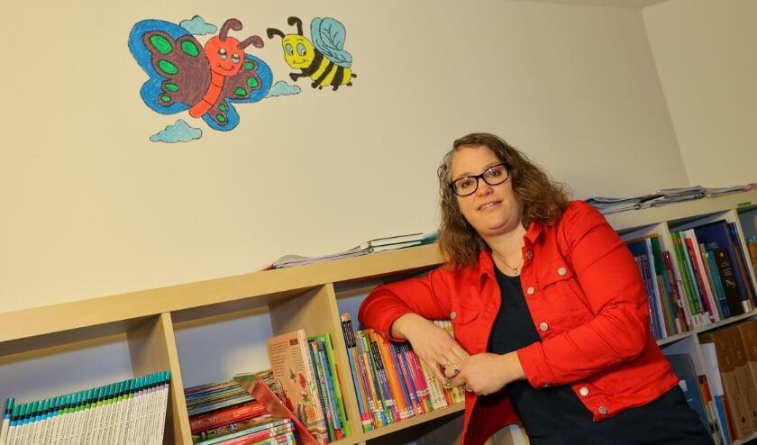 <p>Rianne van der Werf is remedial teacher en merkt dat veel kinderen door thuisonderwijs een leerachterstand opgelopen hebben. FOTO: Bert Jansen.</p>