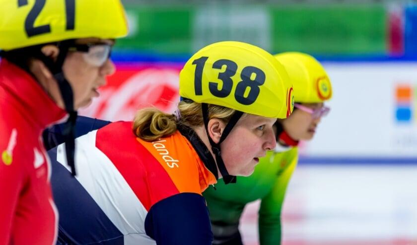 <p>Spanning aan de start van shortrack tijdens de World Winter Games 2017 in Oostenrijk. Foto: Bart Weerdenburg<br><br><br></p>