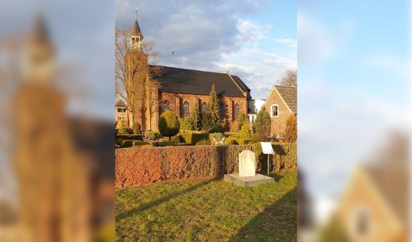 <p>Herdenkingsmonument achter de kerk in Breedenbroek.</p>