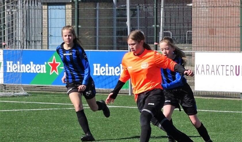 Meisjes/vrouwenvoetbal groeit sterk bij Vriendenschaar