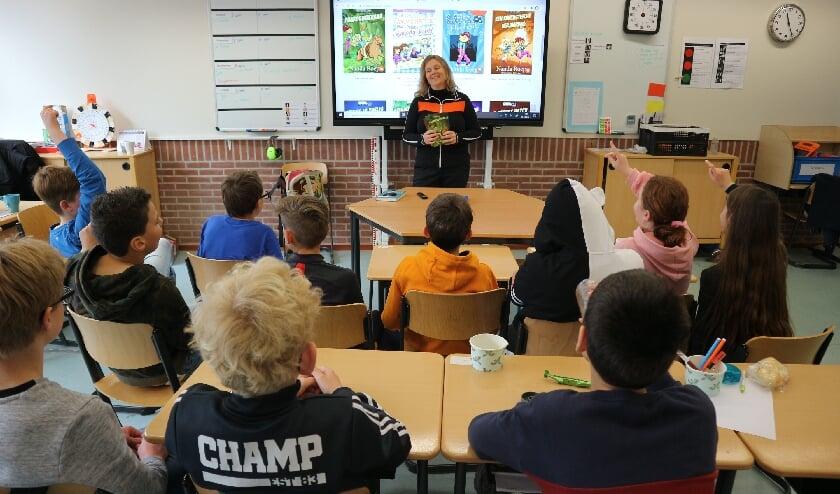 <p>Nanda Roep bezoekt deze periode vier Apeldoornse scholen.</p>