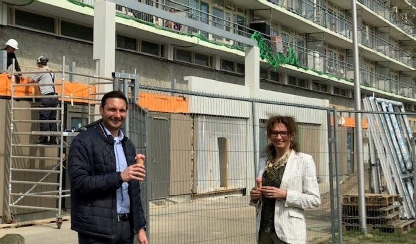 <p>Wiepke van Erp Taalman Kip en Roland de Wit bij de offici&euml;le start van de werkzaamheden.</p>