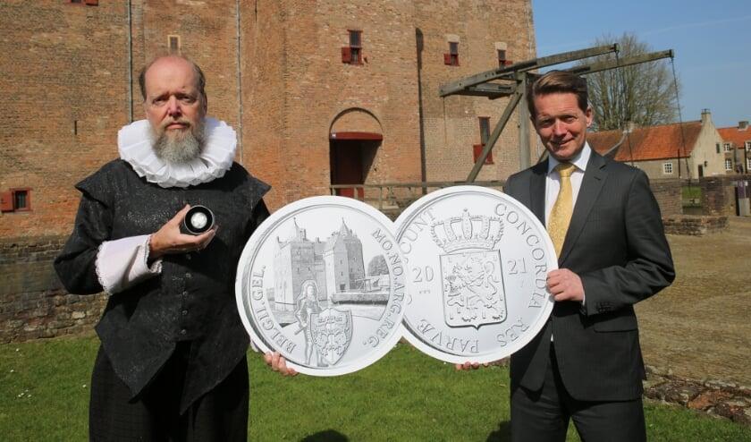 <p>In de Zilveren Dukaten-serie 'Nederlandse Kastelen', staat voor iedere provincie een kasteel op de munt afgebeeld.</p>
