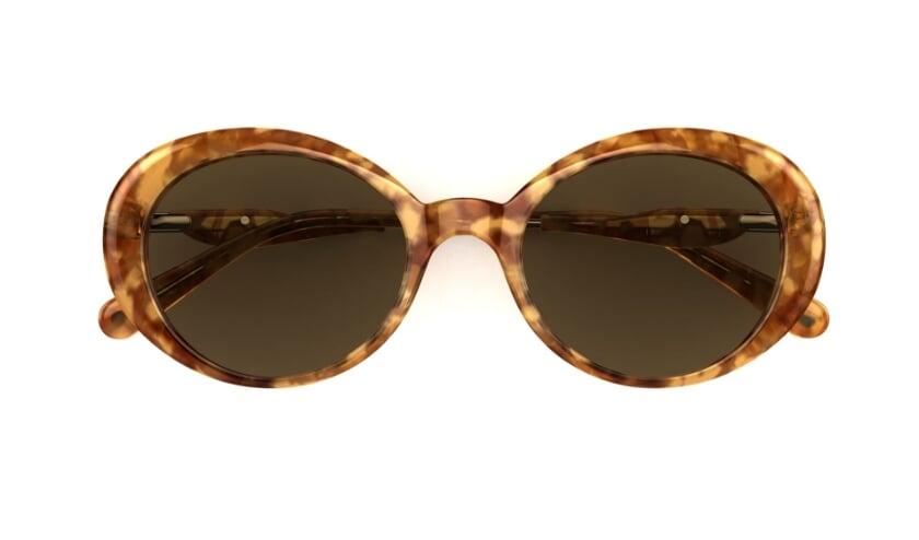 <p>Een zonnebril die u kunt krijgen van een vriend of vriendin.&nbsp;</p>