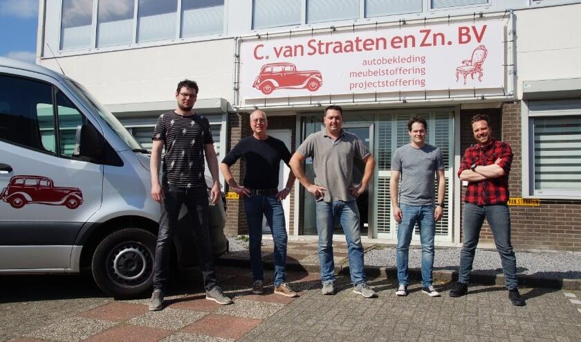 <p>Het team v.l.n.r. Jelle den Hoedt, Dick van Straaten, eigenaar Conrad de Bruin, Kevin Kints en Joey Spruit.</p>