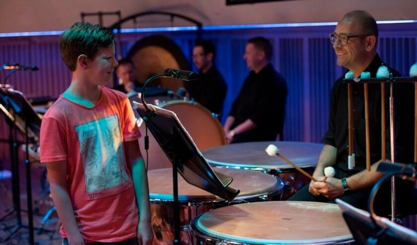 <p>Een speciale film over muziek heeft een speciale presentator nodig...</p>
