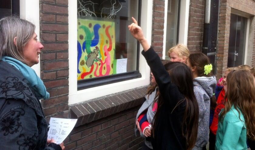 <p>Door middel van kunst wil Inge Koenen buurtbewoners van Tilburg-West aan elkaar verbinden. Jong, oud en met verschillende achtergronden.</p>