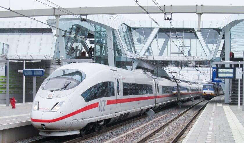 <p>Een ICE op station Arnhem.&nbsp;</p>