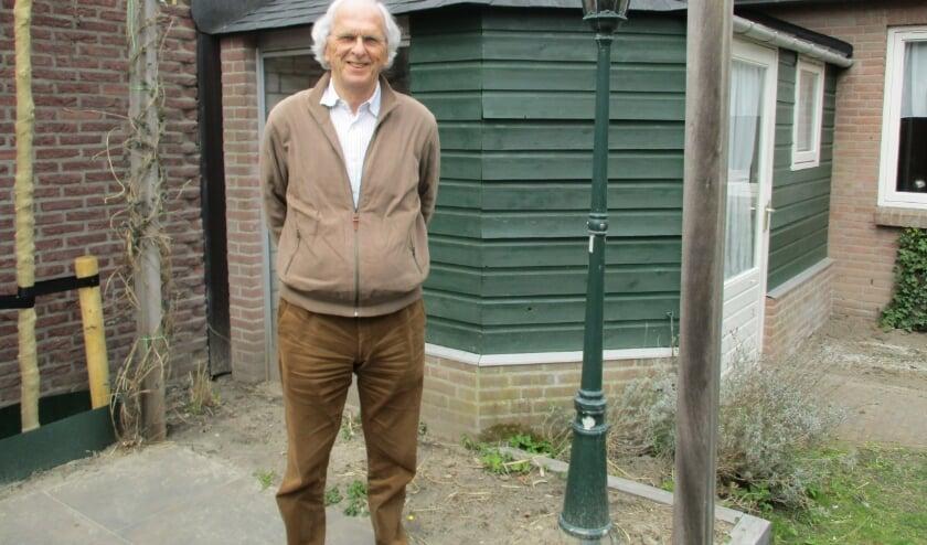 <p>Toine van Poppel maakt zich zorgen over onverschilligheid onder ouderen. Foto: Aldert van der Burg&nbsp;</p>