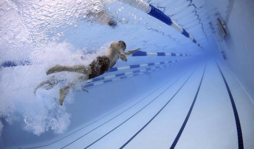 <p>Sinds vorige week is het voor bezoekers van 16 jaar en ouder mogelijk om baantjes te zwemmen in het buitenbad (33 meter) van ir. Ottenbad. (Foto: Pixabay).</p>