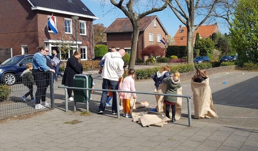 <p>Koningsdag in wijk De Pol.</p>