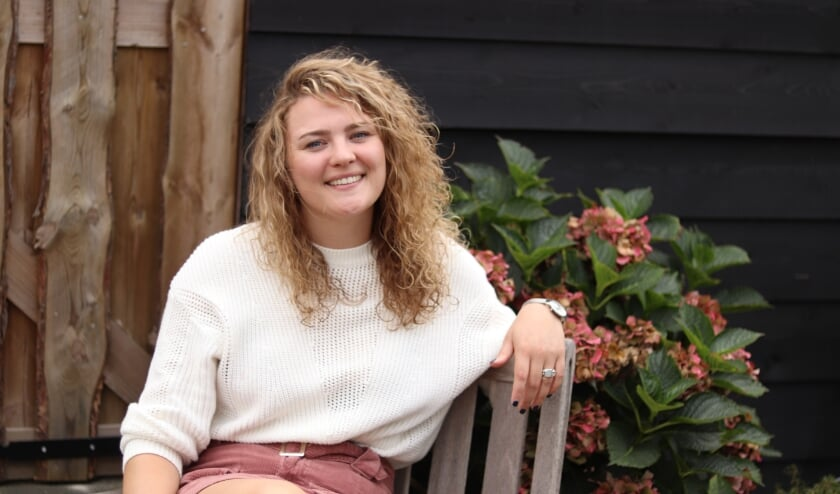 <p>Thessa Buntsma (28) wil dat iedereen geluk op de werkvloer ervaart.</p>