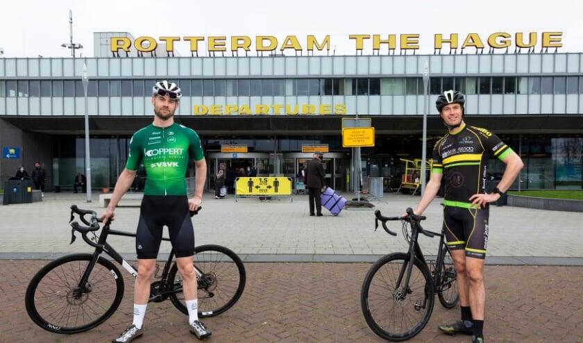 <p>Wethouders De Langen (Rotterdam) en Bredemeijer (Den Haag) bij Rotterdam The Hague Airport.</p>