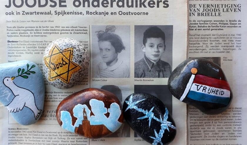 <p>Sandy Struijs gaf het startsein en beschilderde enkele zwerf- of happy stones. Deze worden op 4 mei neergelegd aan de Voorstraat 14a in Spijkenisse. Foto & tekst: Joop van der Hor.</p>