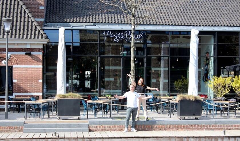 <p>In Alphen zijn Martin en Selina Kalkhoven er helemaal klaar voor. Het terras van hun Maggie Blue gaat weer open. ,,We gaan de gasten ouderwets verwennen.&quot;&nbsp;</p>