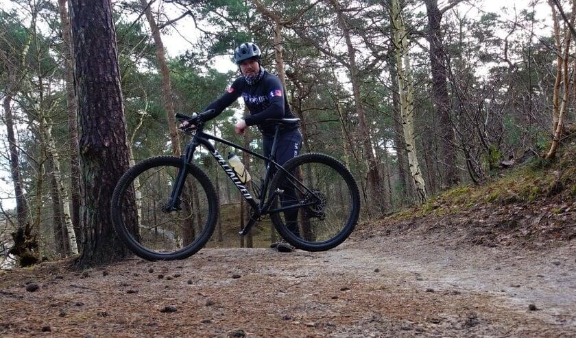<p>Dewi van den Bergh is verknocht aan het mountainbiken.</p>