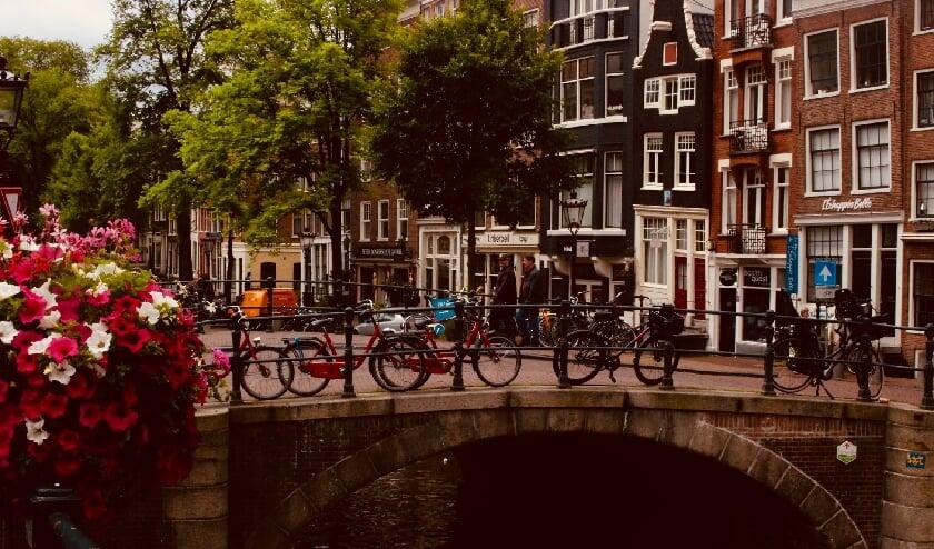 <p>Competa IT heeft gemerkt dat expats in Nederland ietwat ge&iuml;soleerd leven&nbsp;</p>