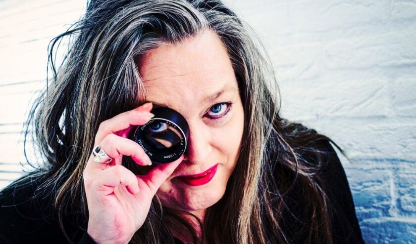 <p>Angelique Cornelissen is de Stadsfotograaf van Tilburg voor het komende jaar. Zij wil vooral &#39;de Tilburger&#39; in haar lens nemen.</p>