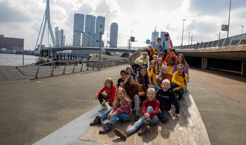 <p>groep 8a schreef het lied 'Welkom in Rotterdam' en staat nu in de finale van het JongRoffaSongfestival</p>
