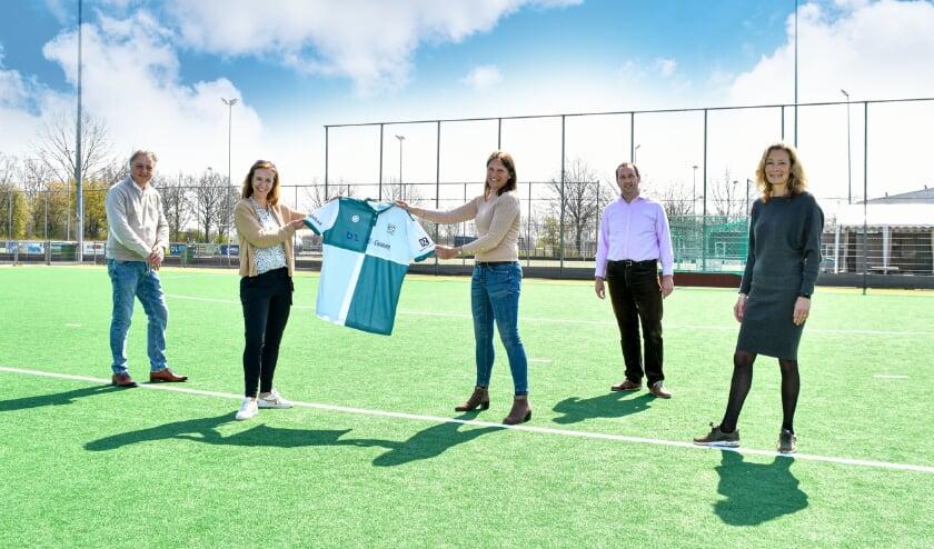 <p>Hockeyzaak.nl en The Indian Maharadja hebben zich als nieuwe kledingpartners verbonden aan HC Alphen.</p>