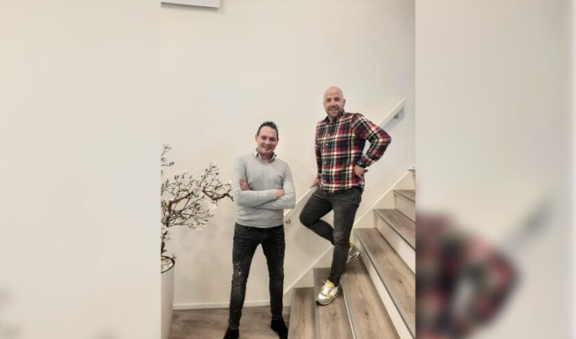 <p>Joris van de Windt (links) en Jeroen Onderdelinden zijn trots op het werk dat zij verricht hebben voor de businessclub bij hun club CWO.</p>