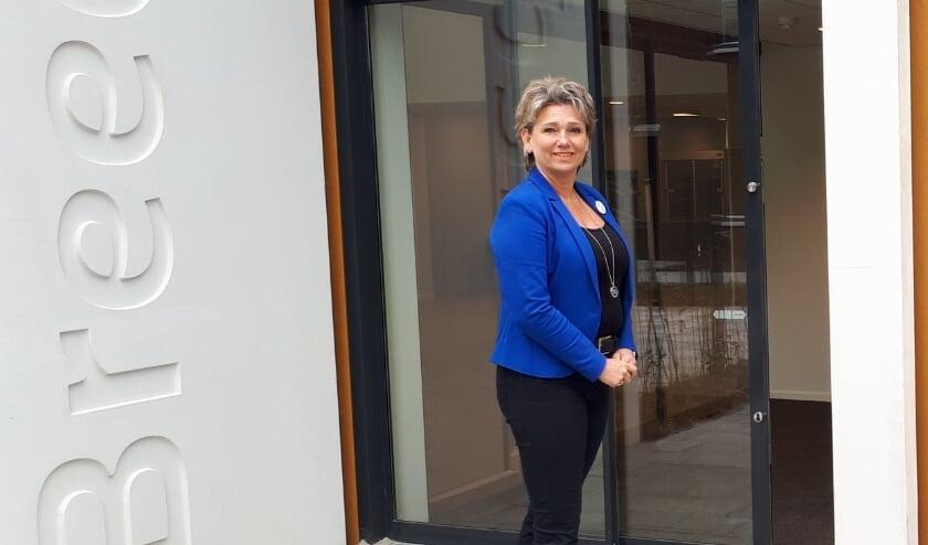 <p>Mirjan Brokking, manager Wonen &amp; Zorg in Breede Vliet is ontzettend trots op het nieuwe gebouw.</p>