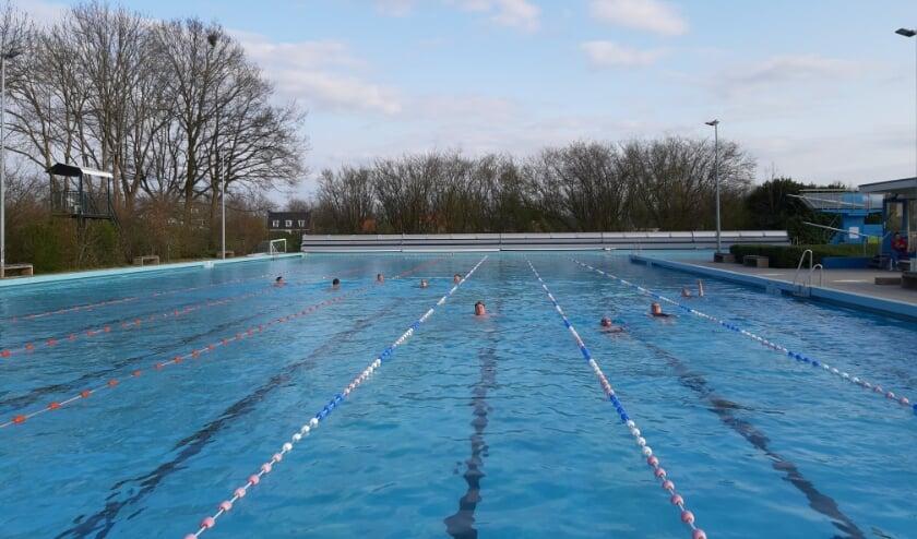 <p>Leden van het Nederlandse zwemteam voor de Invictus Games in training... in het Dorpszwembad van Bennekom!&nbsp;</p>