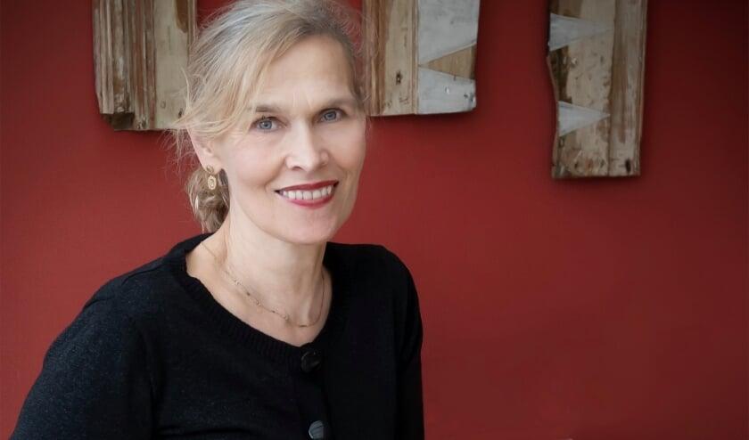 <p>Bettine Vriesekoop geeft op 22 april een lezing over China.</p>