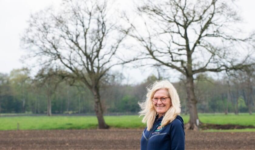 <p>De &#39;Wandeling van de week&#39; is deze keer gelopen met Hannie van Nederpelt uit Epe. Met hulp van een bijzonder klankbord is ze onlangs voor zichzelf begonnen. Foto: Dennis Dekker, www.mediamagneet.nl</p>
