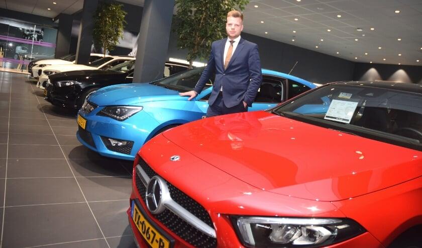 <p>Vestigingsdirecteur Menno Pel heet iedereen welkom in het gloednieuwe Mega Occasion Centrum (MOC) van Van Mossel in Utrecht.</p>