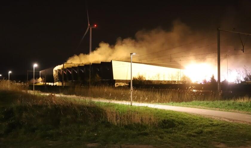 Grote brand in overslaghal bij Avri Geldermalsen