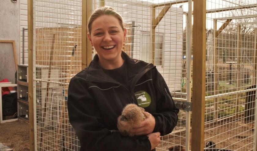 <p>De Bossche Sharon van Offeren heeft een opvang voor dieren in nood. Een opvang waar elk dier welkom is, want elk dier telt. &quot;Het leven van een duif is voor mij net zo belangrijk als dat van een wasbeer&quot;</p>