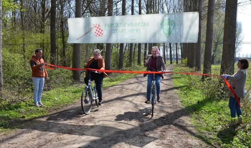 <p>Wethouders Desir&eacute; van Laarhoven en Stan van der Heijden gaan samen door het lint.</p>