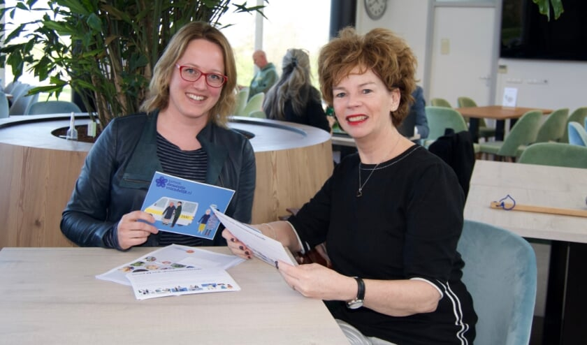 <p>Chantal Kenens, epidemioloog van GGD Zuid-Holland Zuid en Conny Bouwer, projectleider van de Dementievriendelijke Hoeksche Waard.&nbsp;</p>