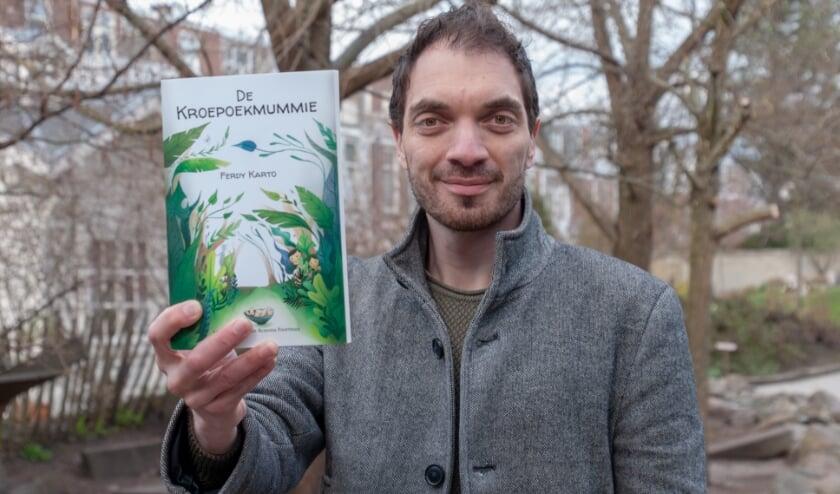 <p>De Haagse acteur Ferdy Karto debuteerde onlangs als kinderboekenschrijver.&nbsp;</p>